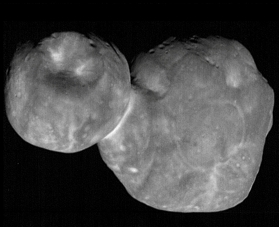 울티마 툴레(Ultima Thule)라는 별칭을 가졌습니다. 출처: NASA/Johns Hopkins Applied Physics Laboratory/Southwest Research Institute, National Optical Astronomy Observatory